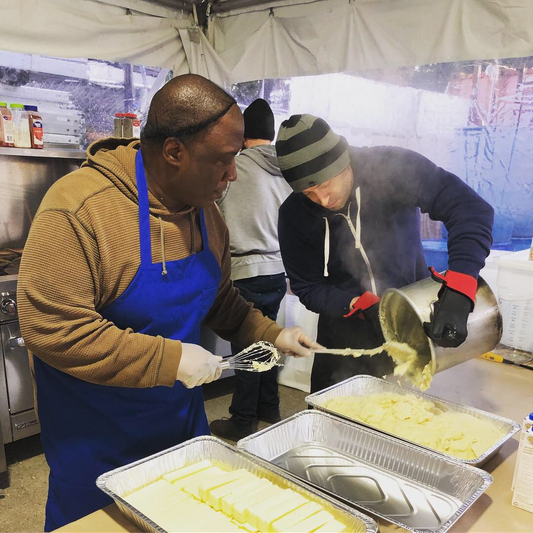NACEGiving 2019 Peerless Volunteers Prepare Foood