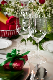 Rental Glassware Christmas Tablescape