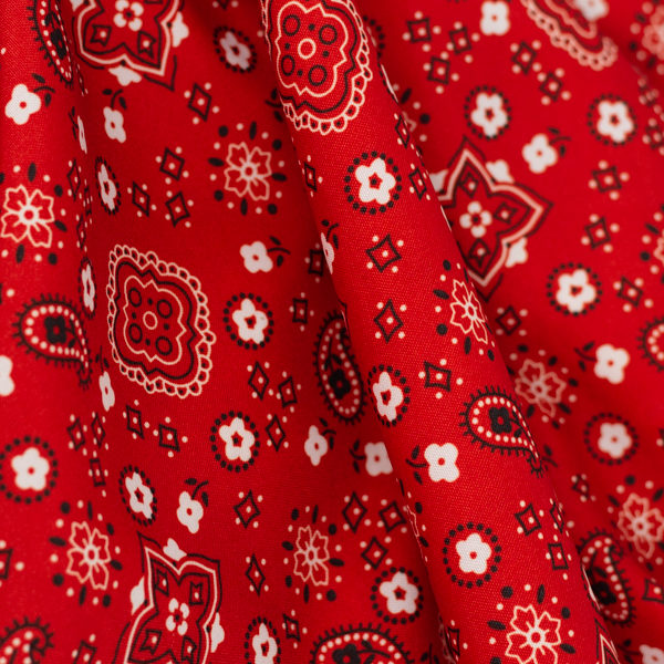 red bandana DETAIL